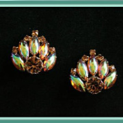 Gorgeous Vintage Clip Earrings with Topaz Colored Rhinestones in Goldtone