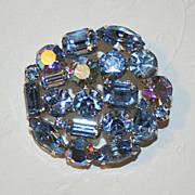 Fabulous Vintage Weiss Brooch in Sparkling Blue Rhinestone and Silvertone