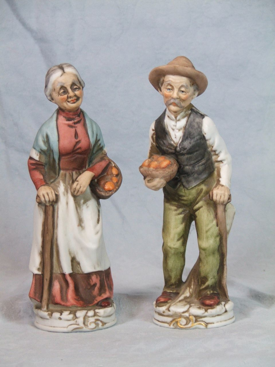 Ardco Dallas Fine Quality Man/Woman Figurines