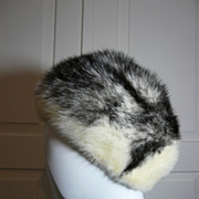 Vintage Ladies Cross Mink Fur Hat in Excellent Condition