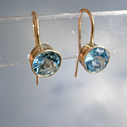 9kt Blue Topaz Dangle Earring