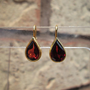 14kt  Fall Red Garnet Pear Shape Dangle Earrings.
