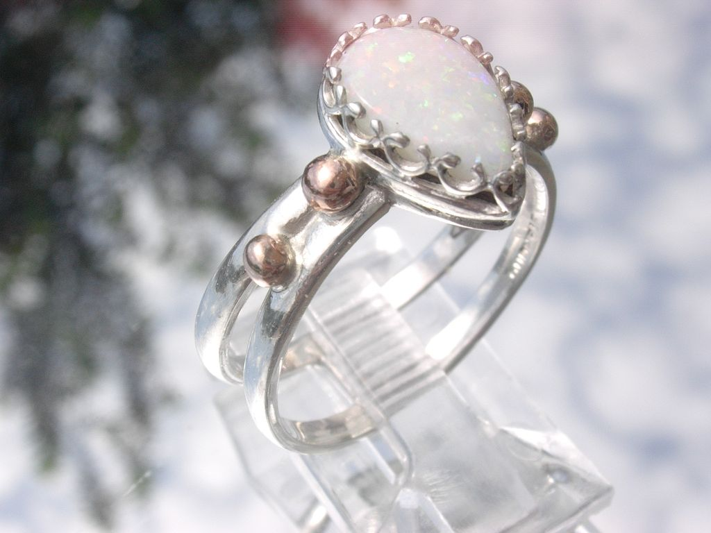 Sterling/9kt White/Green Pearl Shape Opal Ladies Ring