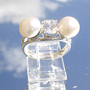 Sterling Cubic Zircon/Freshwater Pearl Ladies Ring.