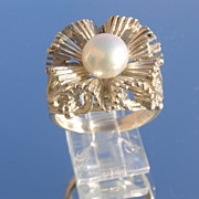 Sterling Exotic Floral Freshwater Pearl Ladies Ring