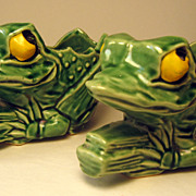 SALE Pair Unmarked Small McCoy Frog Planters