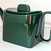 Vintage Franciscan Tiempo Tea Pot in Olive Green