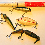 SALE Lot of Vintage 5 Wooden Fishing Lures