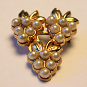 CORO Faux Pearl and Goldtone Brooch Pin
