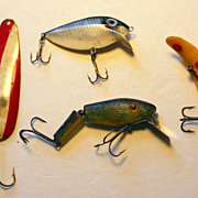 SALE Lot of 4 Vintage Fishing Lures