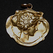 SALE 18kt Art Nouveau Pendant