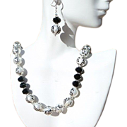 Handpainted Shell Pearl and Black Agate Necklace