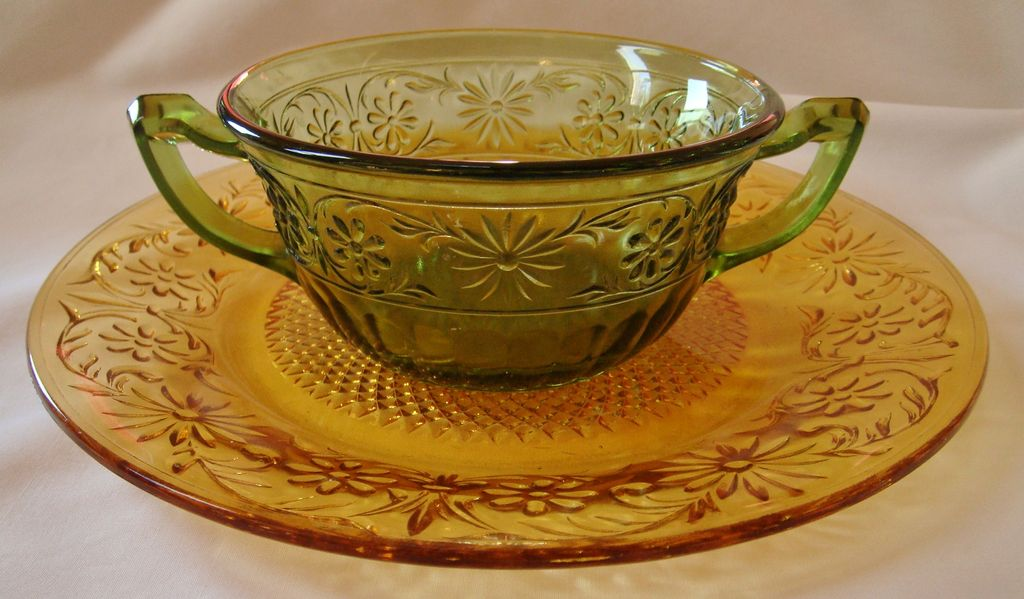 Indiana Glass Daisy pattern amber plate & green cream soup bowl