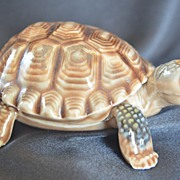 SOLD WADE Porcelain Father Tortoise Trinket Box