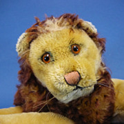 REDUCED 10.5&quot; Steiff Reclining Lion C1960s Vintage Toy