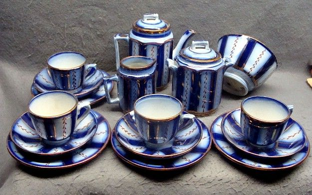 16 Piece Flow Blue Gaudy Welsh Wagon Wheel Child's Tea Set Ca 1840
