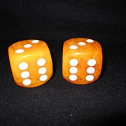 Extra Large Butterscotch Marbled Bakelite Dice 1 3/8 Inch Square -Great Condition-