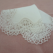 Vintage Elegant Tatting Lace Edged Linen Hankie