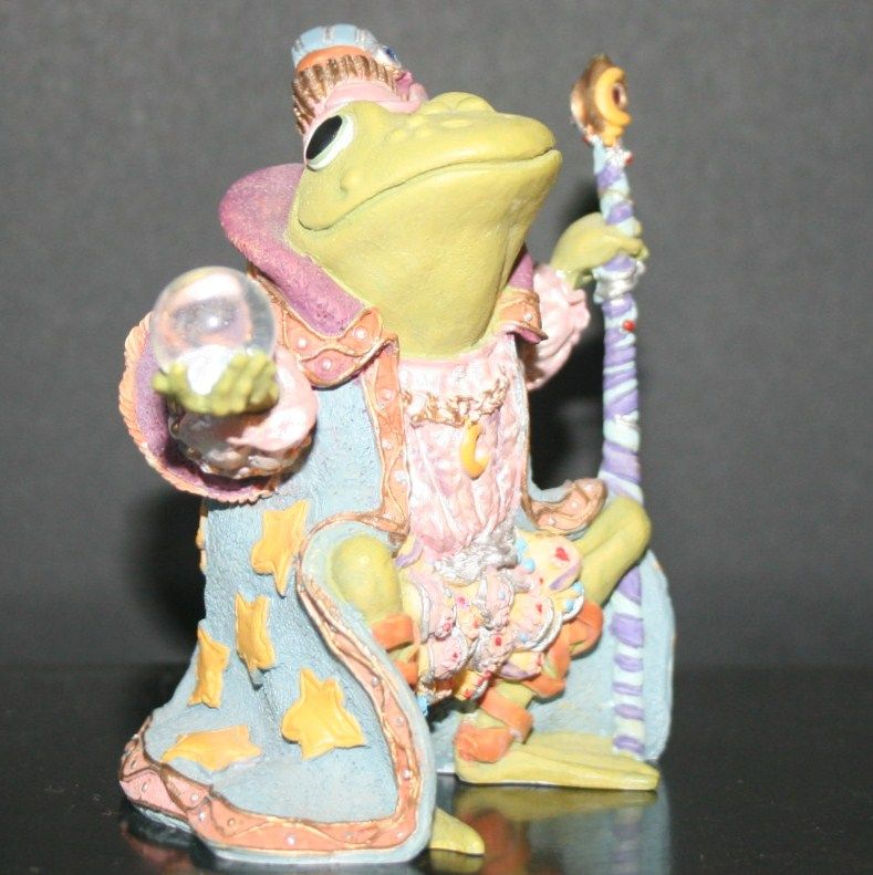 "# 1 in the Series Wizard Of Camelot Frog ""Hamilton Collection"" Sculpture Collection and Advertisement"