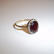 9Ct Gold 2.5 Carat Garnet Ring UK Size O (US 7 1/4), 2.2 g