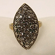 9ct Gold Cubic Zirconium UK Size O US Size 7 1/4 Shield Shaped Ring