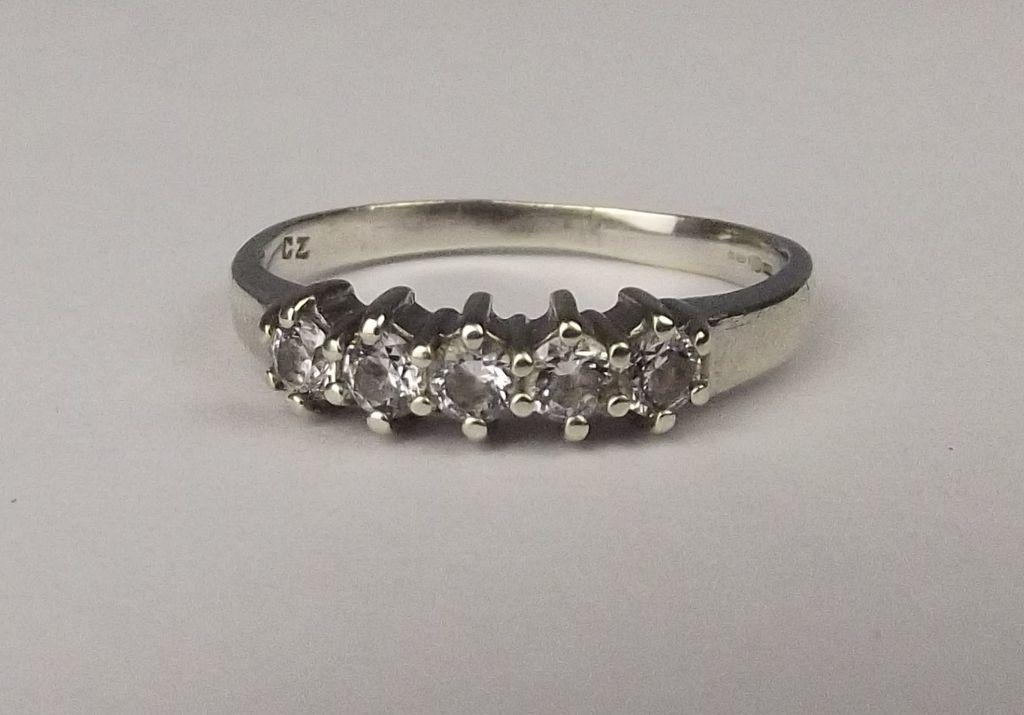 9ct white gold cubic zirconia ring uk size n us 7 from