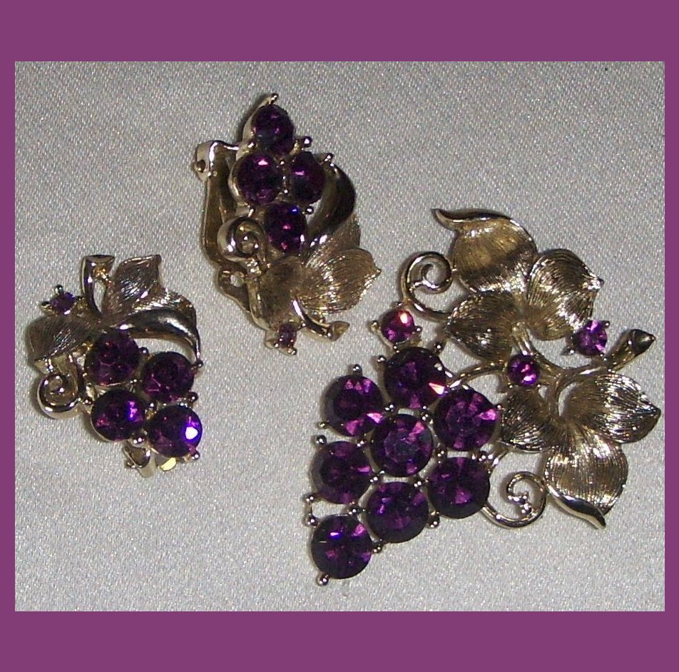 Lisner Set Amethyst  colored Rhinestone Grape Pin Brooch and Earrings