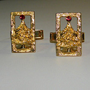 Vintage Gold Tone Christmas Tree with Red Rhinestone Cufflinks