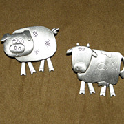 Vintage JJ Barnyard Animals Cow and Pig Pewter Brooches Pins with Dangling Legs