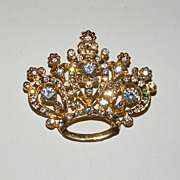 Vintage Sparkly Clear Rhinestone Crown with Gold Tone Outlining Brooch Pin