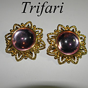 Vintage Big & Bold Trifari Pink Lucite Flower Earrings 1980s