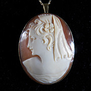 SALE Victorian 14K Yellow Gold Framed Cameo Pin/Pendant