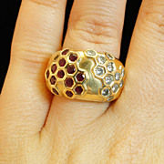 18k Yellow Gold Ruby and Diamond Dome Hex Pattern Ring - Size 6