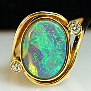 Vintage Opal and Diamond Ring - 18k Yellow Gold - Size 7