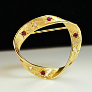 Vintage 18k Yellow Gold Ruby and Diamond Brooch Pin