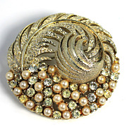 SOLD Vintage Coro Gold Tone Imitation Pearl Rhinestone Brooch Pin