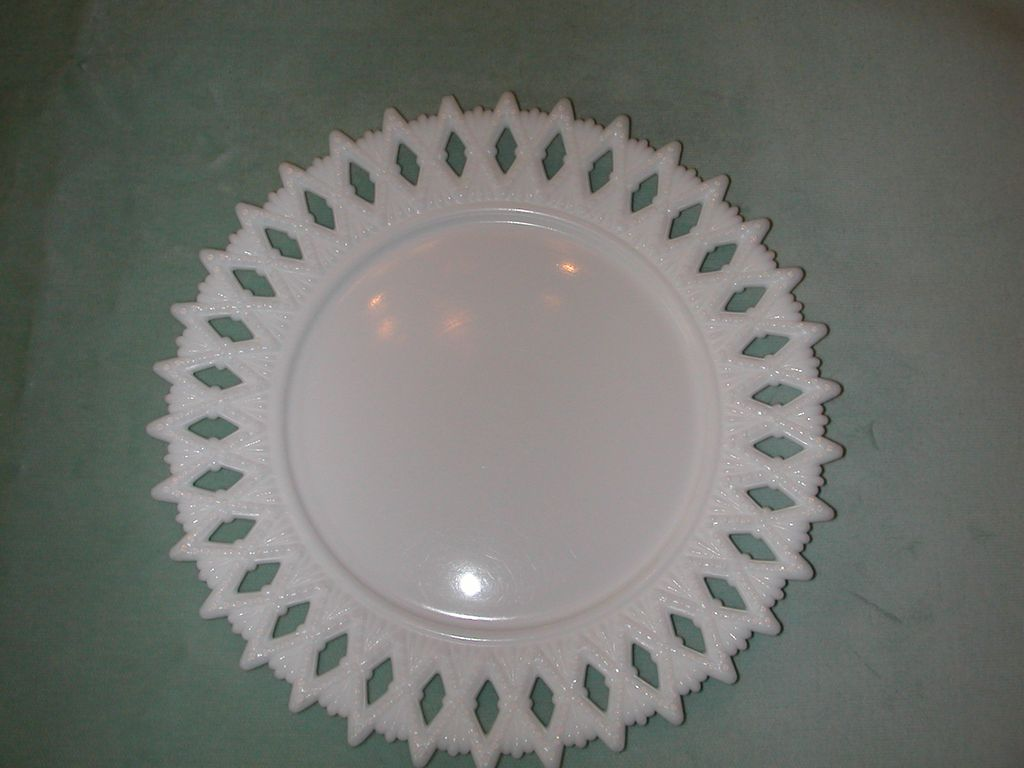 Kemple Sheaf of Wheat Milk Glass Plate.