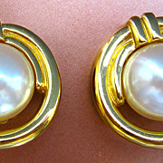 Classic Vintage Givenchy Vintage Simulated Pearl Clip-on Style Earrings
