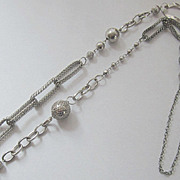 Outstanding Vintage Silver Tone Chain Necklace.