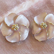 Lovely Vintage Gold Tone Flower and Rhinestone Earrings