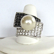 Striking Rhinestone and Simulated Pearl Ring
