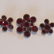 Wonderful Vintage Red Brooch and Earring Set