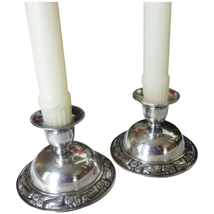 Set of 2 Vintage Oneida Silversmith Candle Holders