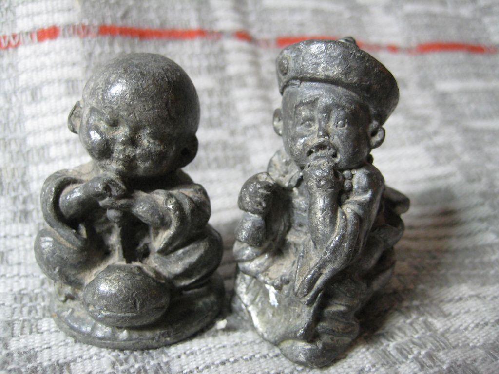 Opium_Weights_2_Iron Figurines of Eastern Boys