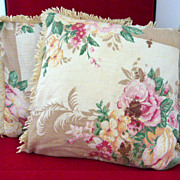 Pair of Floral Vintage Cloth Throw Pillow Covers