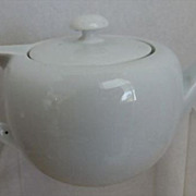 White Porcelain One Cup Teapot ready to be used or decorated!