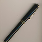 SOLD Vintage Black Sheaffer Fountain Pen - 18K nib