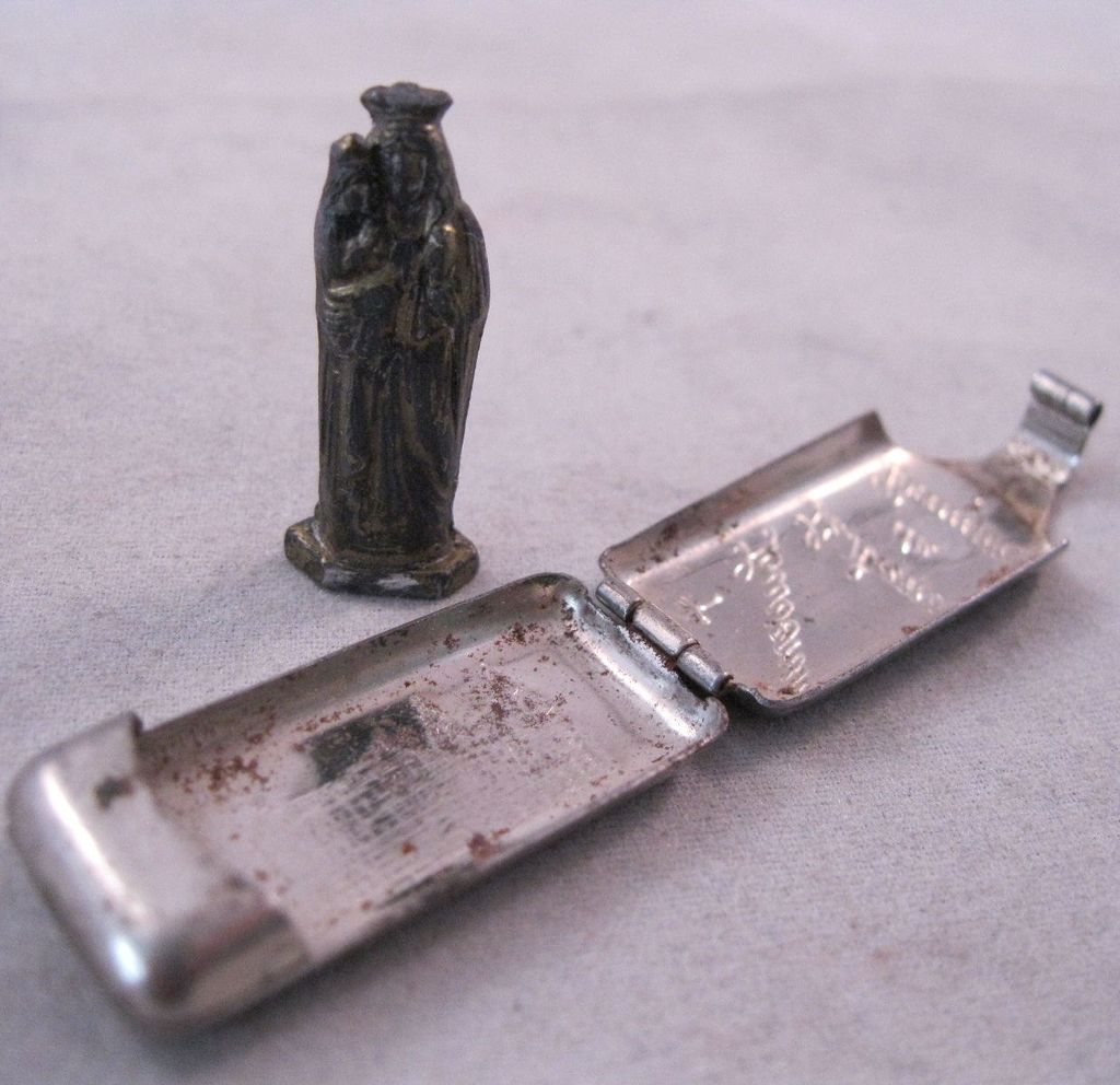 1930s Souvenir St. Anne de Beaupre Quebec Canada Icon Statue & Case Made in Germany