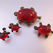 1940s Turtle Scatter Pins & Earrings Set Red Lucite