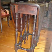 Gate Leg Table diminutive antique Colonial revival